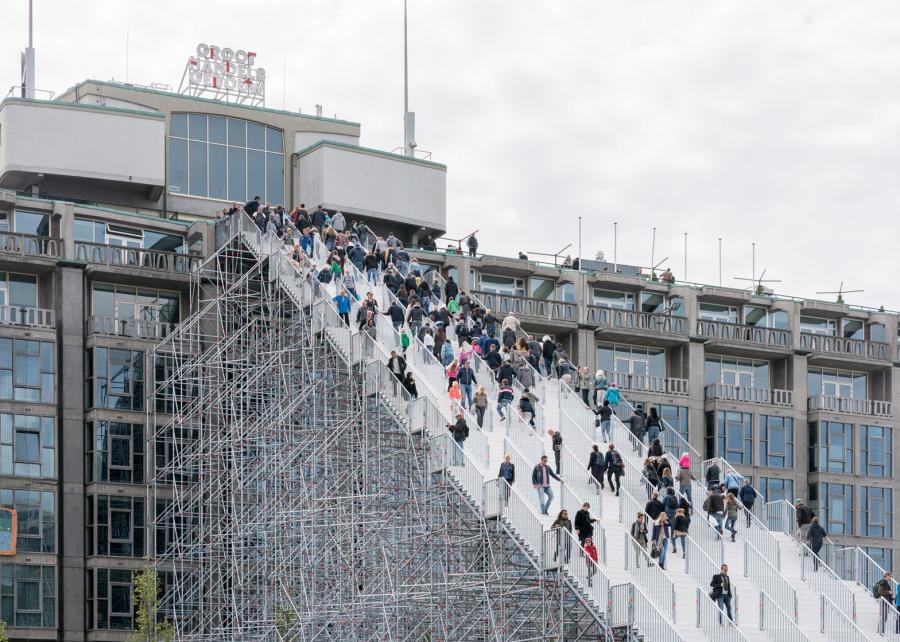 giant-staircase-mvrdv-rotterdam-netherlands-scaffolding-temporary-structure-groot-handelsgebouw-landmark-city_dezeen_1568_3