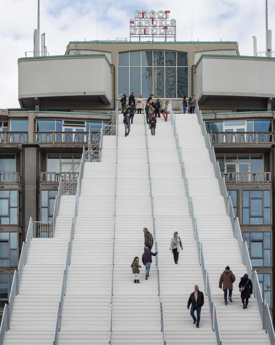 giant-staircase-mvrdv-rotterdam-netherlands-scaffolding-temporary-structure-groot-handelsgebouw-landmark-city_dezeen_936_0