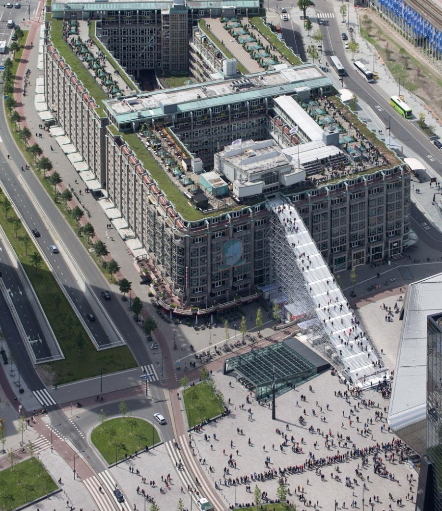 giant-staircase-mvrdv-rotterdam-netherlands-scaffolding-temporary-structure-groot-handelsgebouw-landmark-city_dezeen_936_2