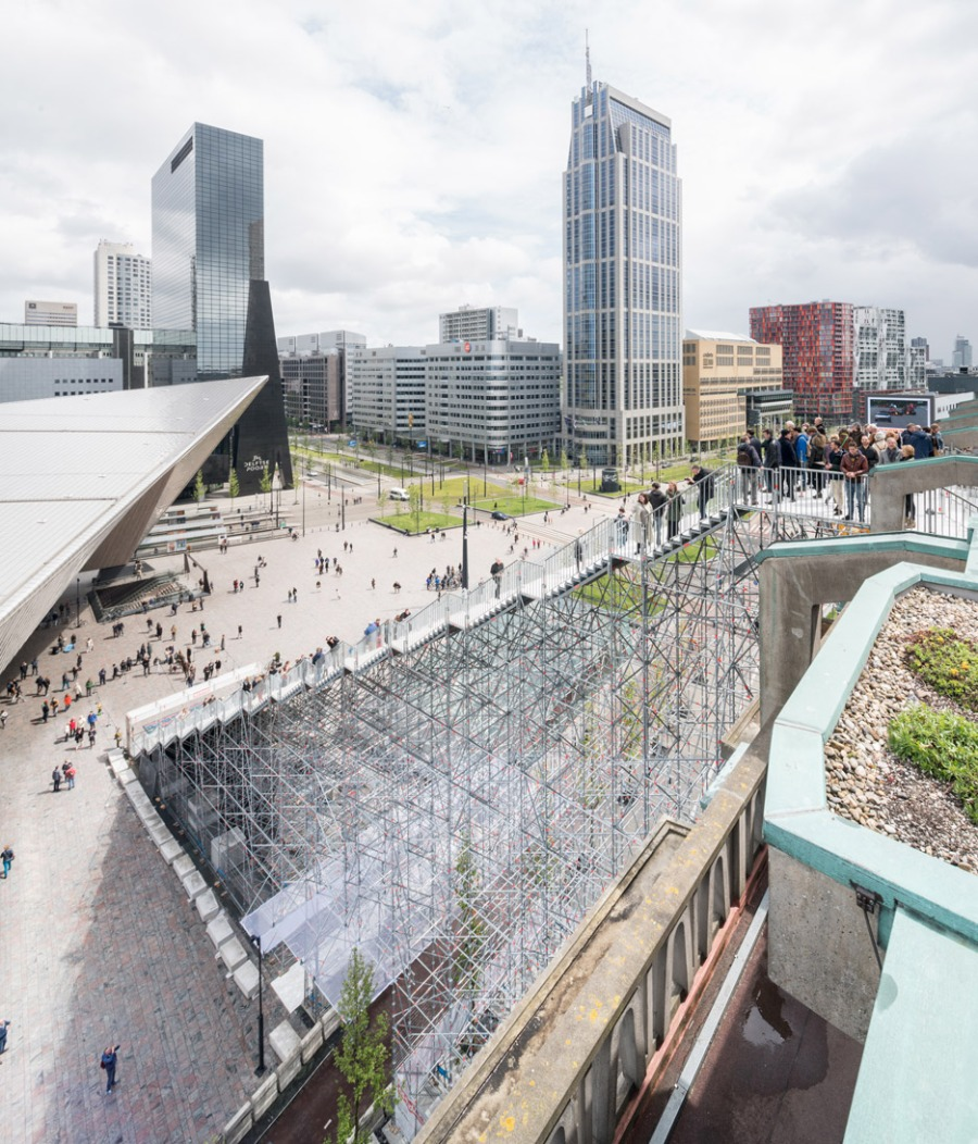 giant-staircase-mvrdv-rotterdam-netherlands-scaffolding-temporary-structure-groot-handelsgebouw-landmark-city_dezeen_936_6